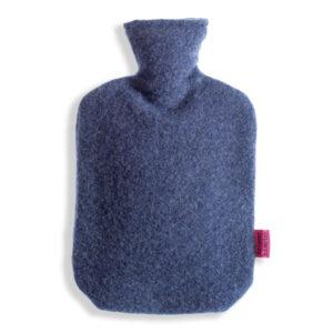 Waermflaschenbezug-aus-Merinowolle-heidelbeere