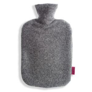 Waermflaschenbezug-aus-Merinowolle-graphit
