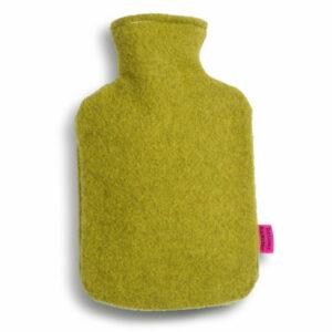 Waermflaschenbezug-aus-Merinowolle-olive